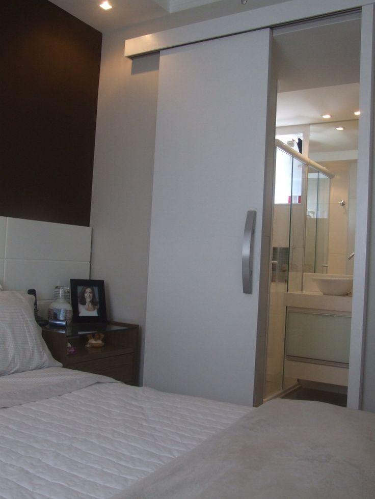 Apartamentos pequenos - Casa Claudia Porta banheiro suíte