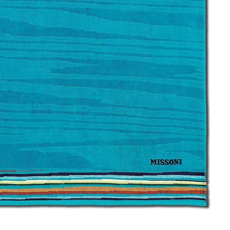 LIAM BEACH TOWEL de MissoniHome. Toallón de playa en 100% algodón y efecto moiré. gran suavidad y absorción. Una lujosa y sofisticada toalla para la playa, la piscina o el baño.