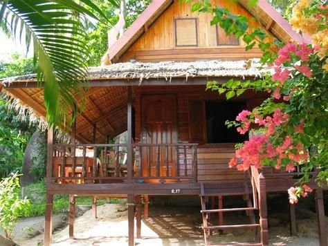 A bungalow on the beach in Thailand beckons me...