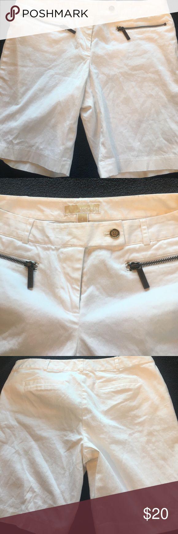 Michael Kors Women's White Shorts Michael Kors Women's White Shorts Size 4 with Zipper pockets KORS Michael Kors Shorts Bermudas