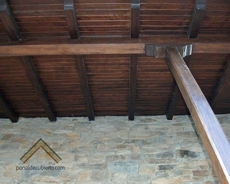 Tejado de panel de madera con n cleo acabado casta o para for Tejados de madera
