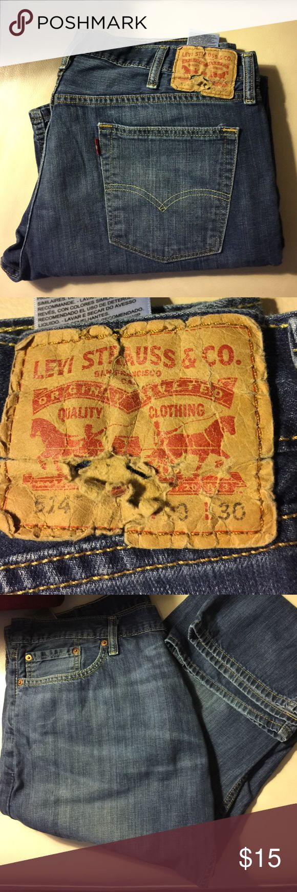 Men's Levi's 514 Jeans  W-40 L-30 Thin Weight Great condition -no rips no fraying ( except the tag) Levis Jeans Relaxed