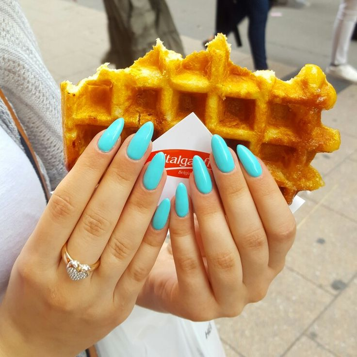 Semilac by Margaret  Turquoise blue nails Summer nails