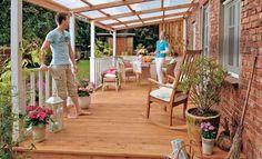 Günstige Terrassenüberdachung selbst bauen. Mit einer Überdachung ist Ihre Terrasse geschützt: So bauen Sie das Terrassendach. #heimwerken #Bauanleitung #Garten