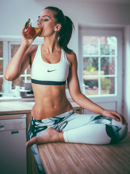 designer jewelry on sale Lilly is  weeks into her SkinnyMe Teatox and says that her stomach is feeling flatter and more toned     Babe  On Instagram  LillySabri Shop www skinnymetea com au