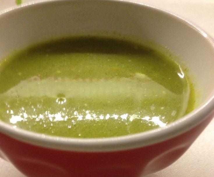 Recette soupe aux fanes de carottes bio par Lili jombart - recette de la catégorie Soupes