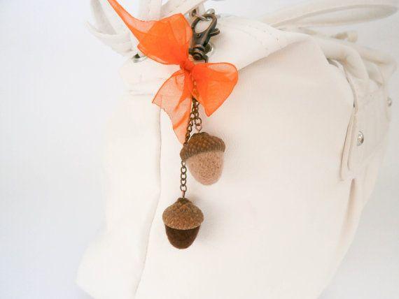 Acorn keychain Acorn zipper charm Autumn bag от CreativeAtelierBg