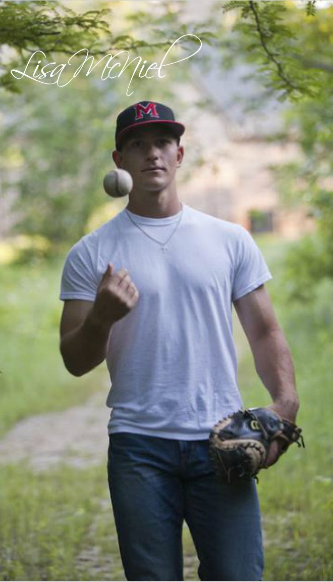 click the pic for 13 more senior picture ideas, guys, boys, baseball, Dallas photographer, Texas