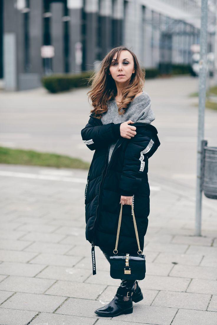 Weekend Review #minibag #coat #ootd #vinyl #vinylpants http://fashiontipp.com