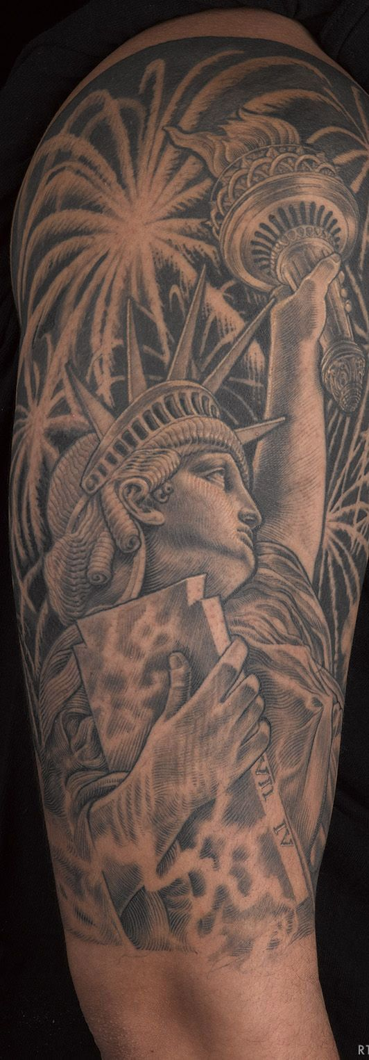 This full Statue of Liberty sleeve tattoo reflects the freedom of people | Tattoomagz.com