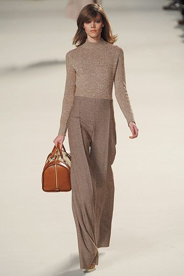 Chloé. Beautiful silhouette and movement of fabric as she walks. Fine colour for Soft Seasons, but the herringbone in the pants feels a little more Autumn. Excellent monochromatic using different textures.