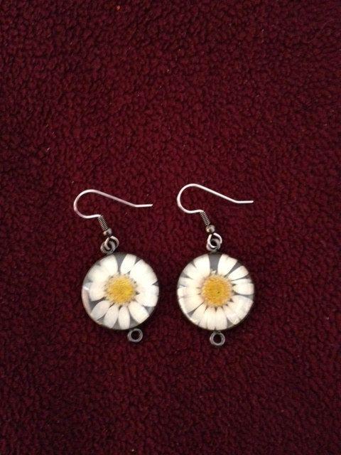 matching daisy earrings  $10