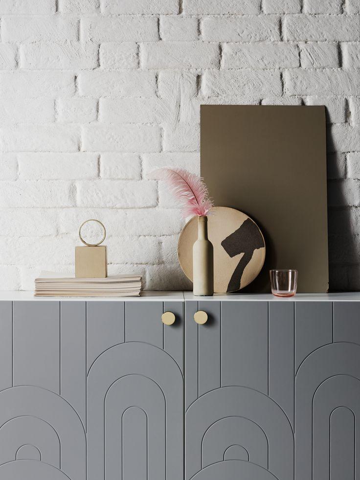 Ikea-hackföretagetPrettypegshar gjort sig kända för sina designade ben anpassade till Ikeas möbler – nu utökar de sitt sortiment med en ny kollektionen fronter i vårens ljusa toner.