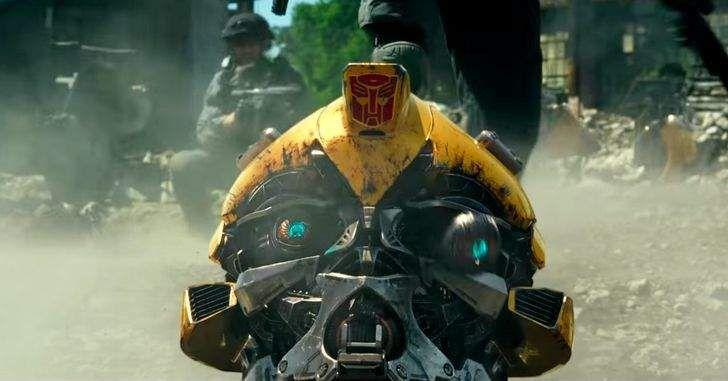 Mais um novo trailer internacional deTransformersfoi liberado! No novo trailer, podemos ver ainda mais da história do filme e, dessa vez, também podemos ver mais dos personagens humanos. O Último Cavaleiroquebra os principais mitos da franquia Transformers e redefine o que significa ser um herói. Humanos e Transformers estão em guerra, Optimus Prime desapareceu. A …