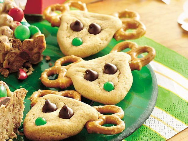 On the occasion of Christmas treat your family with these reindeer shaped peanut butter cookies - a tasty dessert.