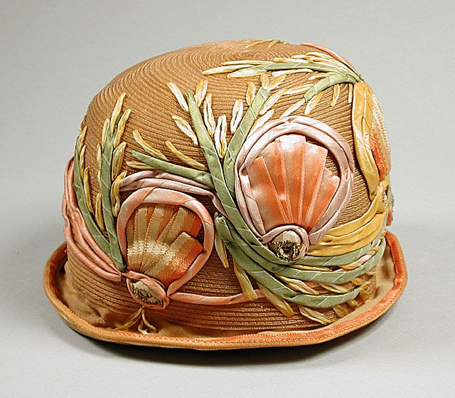 10-12-11  Cloche hat with ribbon embellishment, circa 1925
