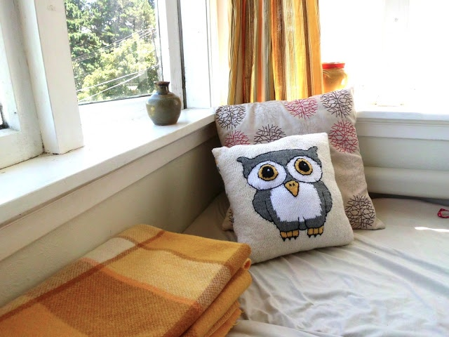 Knitted Owl Cushion Cover