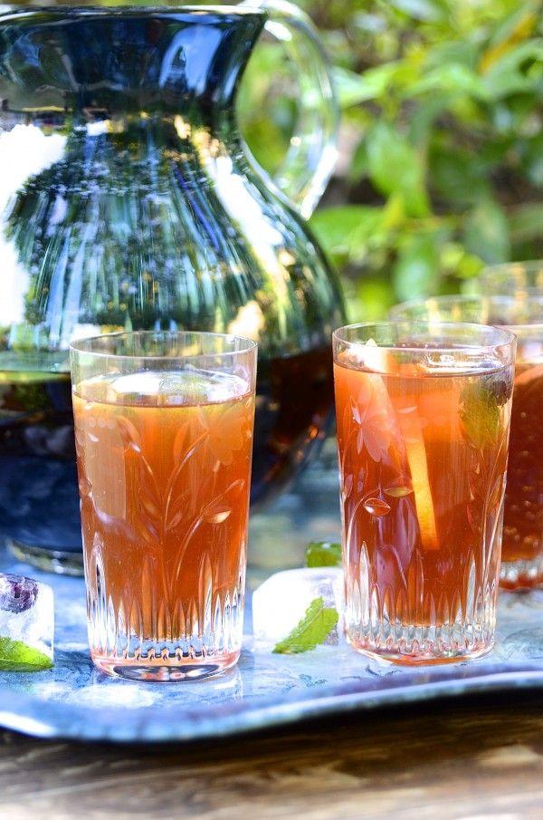 Cranberry and cinnamon rooibos iced tea
