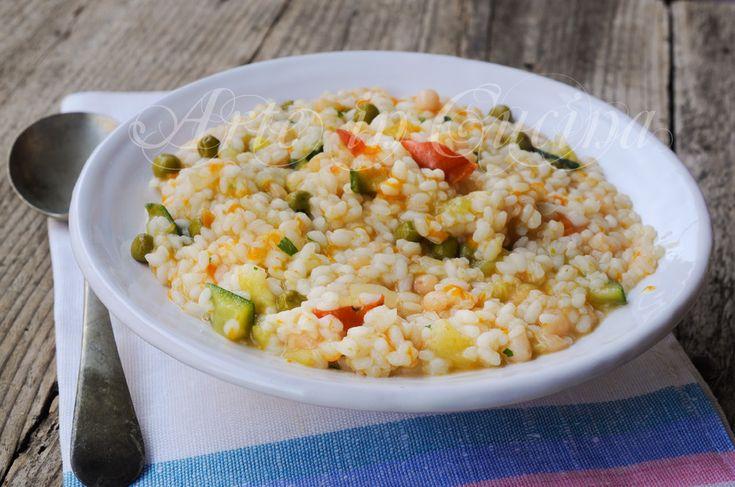 Minestrone alla napoletana con riso ricetta leggera, primo piatto facile, ricetta con verdure, pranzo, cena, riso, legumi, fagioli, piselli, pentola a pressione