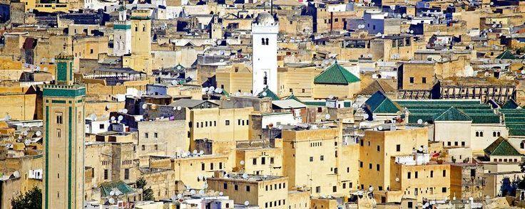 Monument incontournable de la ville de Fès, la mosquée Al Quaraouiyine est l'une des plus grandes et des plus connues du Maroc