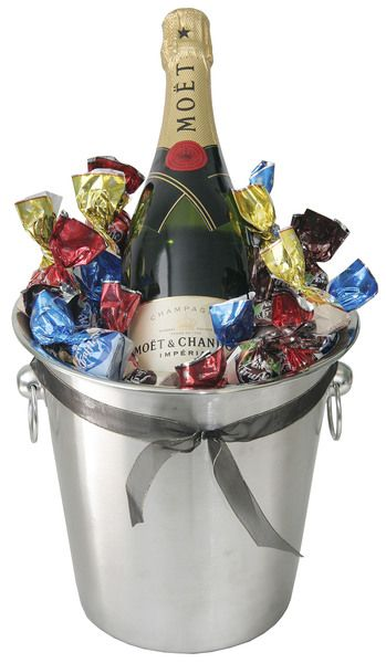 Moet Celebration Gift Hamper $198 (AUD) | FREE Delivery