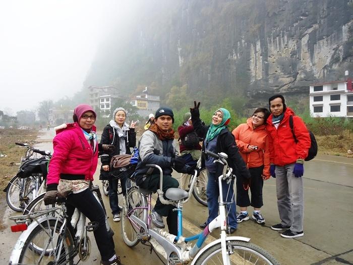 Cycling. Yangshuo River . China I Caldera Journey