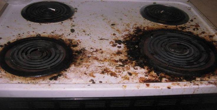 Na het koken vegen de meeste direct het gasfornuis af om te voorkomen dat er hardnekkige vlekken ontstaan. Toch kan het gebeuren dat er vlekken onder de kookpitten achterblijven. Op www.budgi.nl vind je tips en tricks voor een blinkend gasfornuis. #huishouden #koken #schoonmaken #schrobben #tips #reinigen #goedkoop #budget #budgi