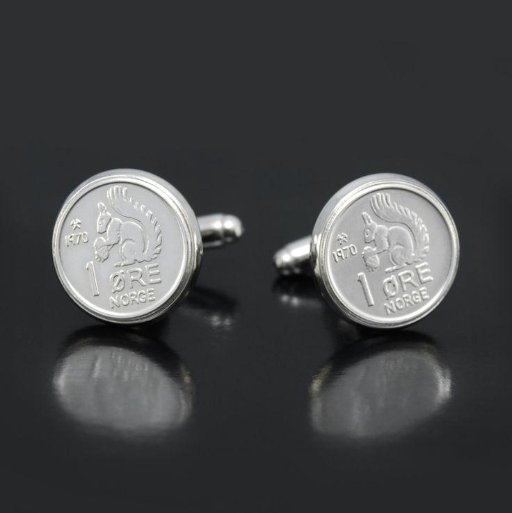 Nostalgiske mansjettknapper med norsk 1-øre i sølv.