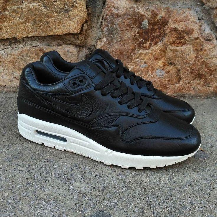 "Nike Air Max 1 Pinnacle NikeLab ""Black""  Size 85 US Man - Precio: 12990 (Spain Envíos Gratis a Partir de 99) http://ift.tt/1iZuQ2v  #loversneakers#sneakerheads#sneakers#kicks#zapatillas#kicksonfire#kickstagram#sneakerfreaker#nicekicks#thesneakersbox #snkrfrkr#sneakercollector#shoeporn#igsneskercommunity#sneakernews#solecollector#wdywt#womft#sneakeraddict#kotd#smyfh#hypebeast #nikeair#airmax1#am1 #nike #airmax"