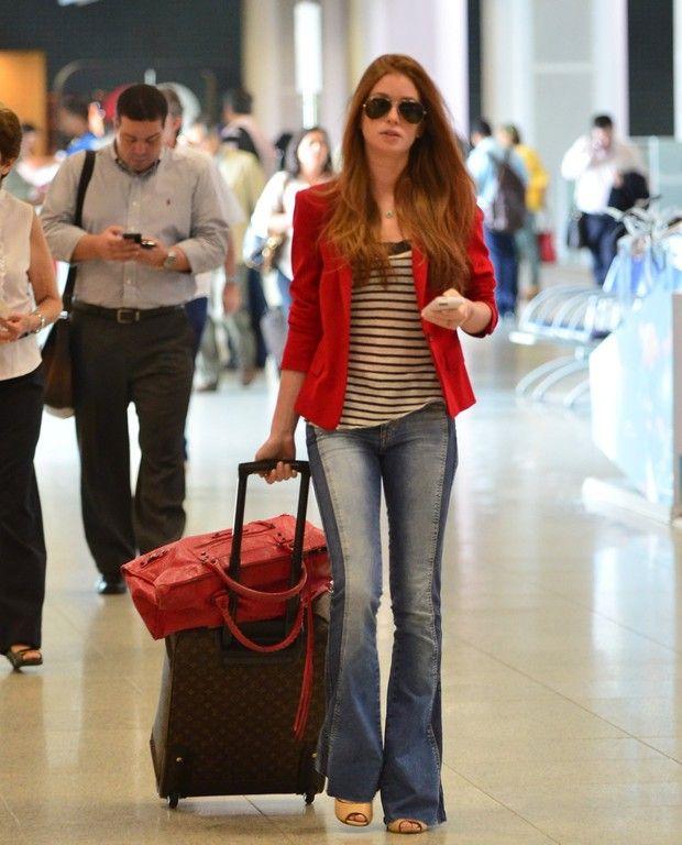 Marina Ruy Barbosa no aeroporto Santos Dumont (Foto: Marcello Sá Barreto / AgNews)