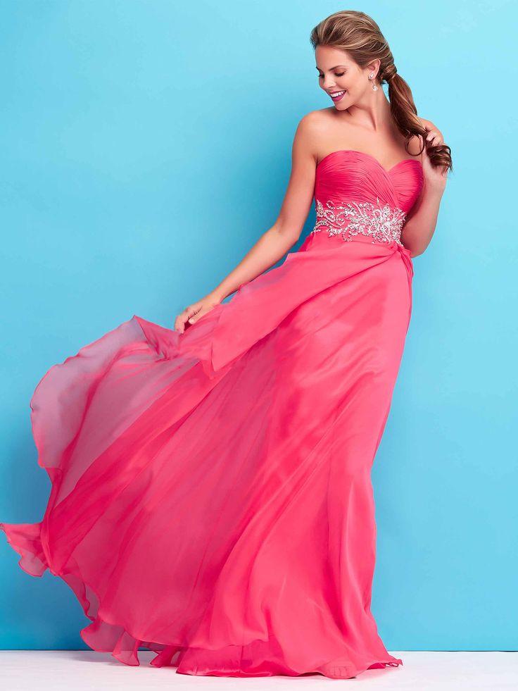 #lightdress #pinkdress #bridesmaiddress / Suknia wieczorowa w pięknym, malinowym kolorze.