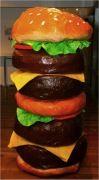 Een Hamburger surprise maken is niet moeilijk. Deze Sinterklaas surprise is ontzettend leuk om te geven en makkelijk om te maken. Binnen korte tijd zit hij