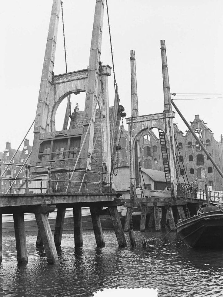 Brug van de Sloterdijkstraat naar de Galgenstraat rond 1920, Amsterdam