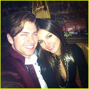 Victoria Justice & Pierson Fode: New Year's Couple!