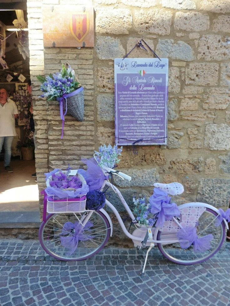 Beautiful bicycle in Orvieto