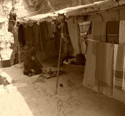 Jordan - Little bazar in Petra
