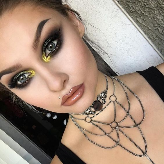 The Best Alternative Makeup Looks to Try