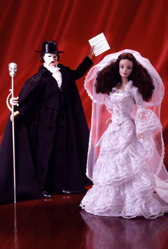The Phantom of the Opera™ Barbie® Giftset | Barbie Collector