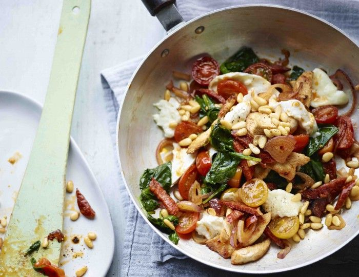 Bosh! Try this nawwwty cheesy chorizo chicken and spinach recipe / The Body Coach Blog / The Body Coach