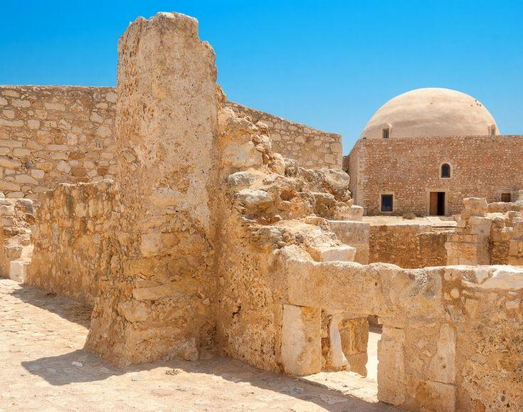 15 εντυπωσιακά κάστρα της Ελλάδας