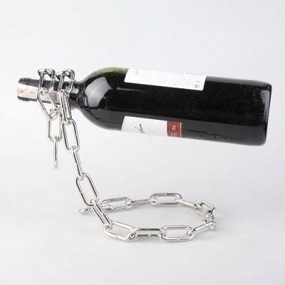 Łańcuchowy stojak na wino - Śmieszne gadżety i prezenty, upominki na każdą okazję - coolprezenty.pl