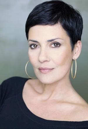 Bio - Cristina Cordula Je suis une très grande fan ! Et oui magniiifiiiquuee ma chériie !!