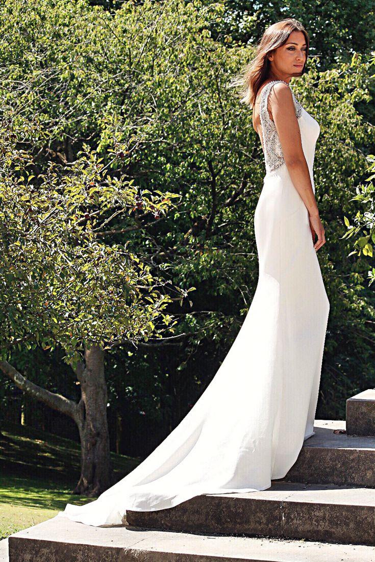 ¿Te casas? Ven a conocer nuestra colección 2018 ya disponible en alquiler y venta.  _______________________________________________________________ #novia #novias #novias2018 #weddingdress #wedding #noviasideales  #noviasperfectas #noviasreales #bodas2018 #bodas España #mikhado #mikhadoalquileryventa #weddingplanner #alquileryventa #alquiler #ventano #expobodasbec
