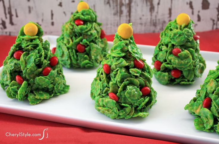 Cornflake Christmas tree cookies are easy to make, fun to serve and super cute for cookie exchanges and holiday parties.