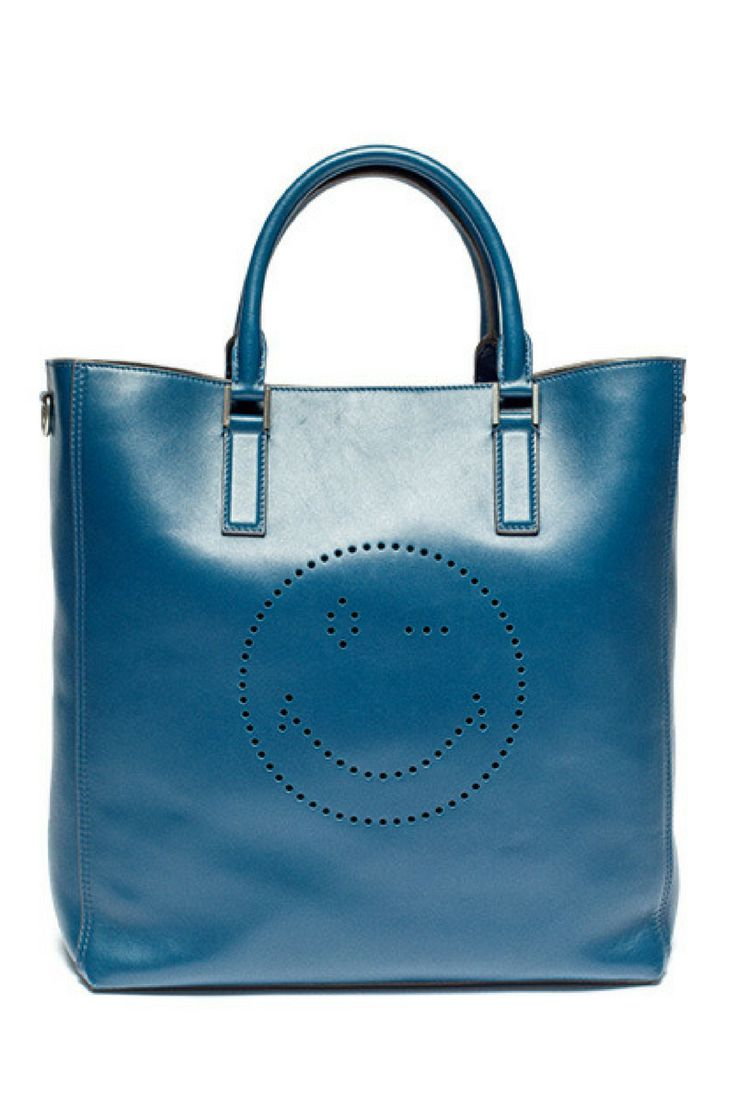 """In Her Shoes 彼女が持ったあの名品──やっとぼくにも手に入る  TOTE BAG ANYA HINDMARCH""  http://gqjapan.jp/fashion/wardrobe/20161014/in-her-shoes#pages/4"