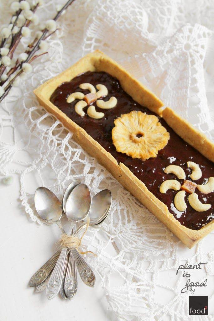 Mazurek jaglany z czekośliwką   Ciasto:      200 g mąki jaglanej     50 g mąki ziemniaczanej     50 g mąki kukurydzianej     2 łyżki cukru pudru     2 czubate łyżki siemienia lnianego + pół szklanki wrzątku (125 ml)     100 g oleju kokosowego (lub margaryny roślinnej)   Czekośliwka:      200 g powideł śliwkowych     1 czubata łyżka kakao