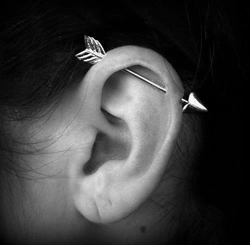 18 Cute And Unexpected Ear Piercings | If I had an industrial piercing I'd totally wear this to Catching Fire!!