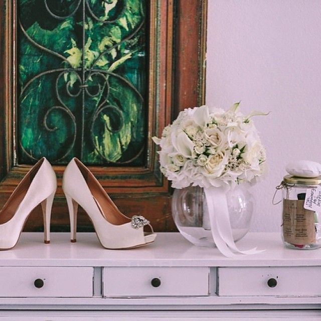 #Santorini #Wedding #Inspiration #Design #Style #Flowers #WeddingShoes  Photo credits: @evangelia_palama_mendrinou