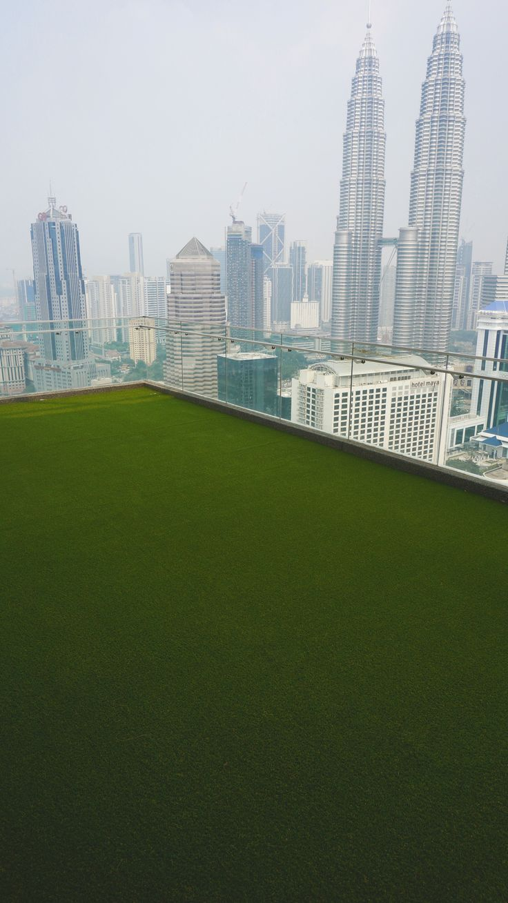 What do you think of the view? A very nice place for our artificial grass! Also on a balcony we can provide you with our products, everything is possible! #Artificialgrass #artificialturf #balcony #view #kualalumpur
