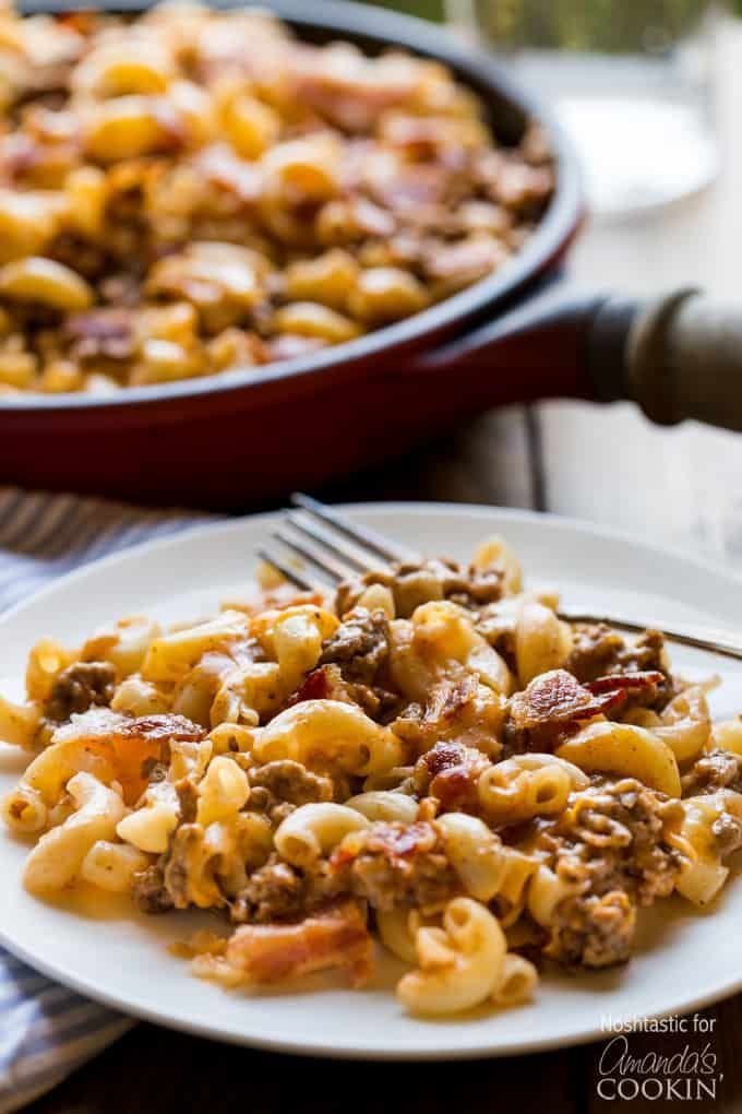 This Delicious Bacon Cheeseburger Pasta Combines Elbow Macaroni Ground Beef And Bacon Along With Cheddar Ground Beef Recipes Beef Recipes Winter Pasta Dishes